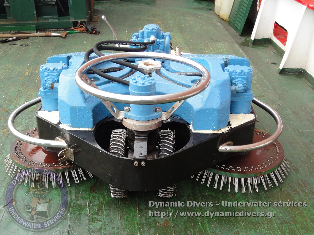 hull cleaning equipment - dynamic divers