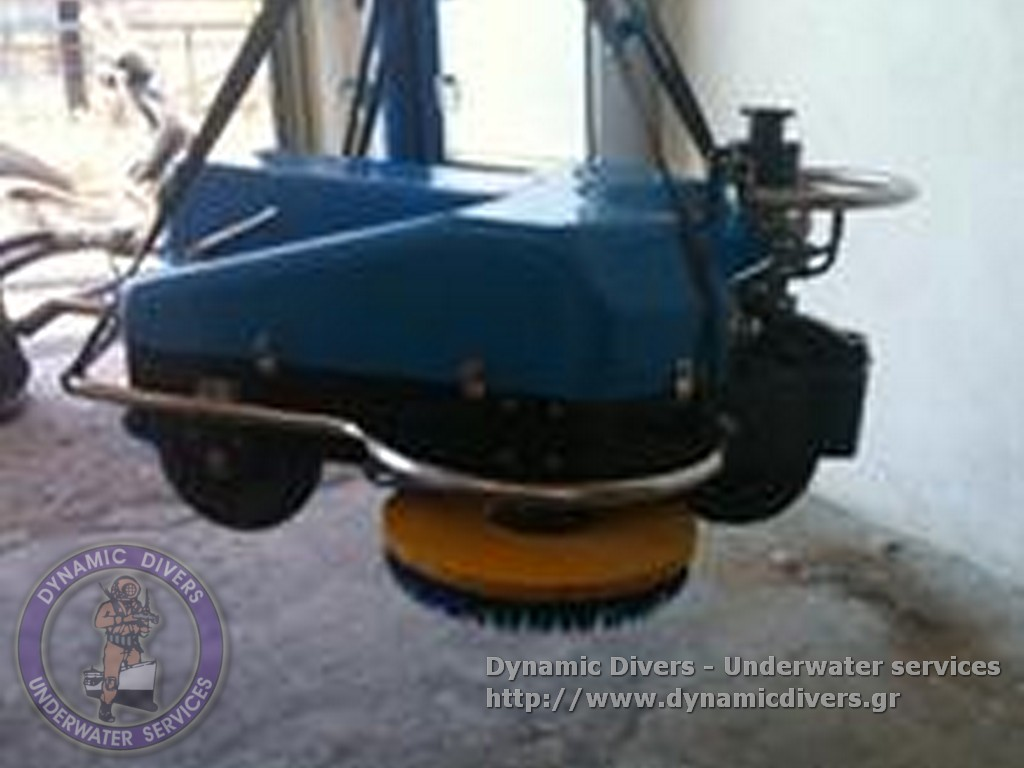 hull_cleaning_equipment_polyestersoftbrushes_-00002